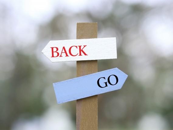 BackとGoの表札